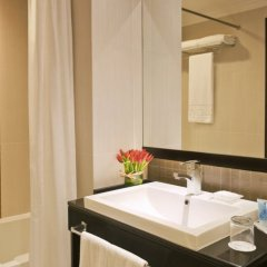 Отель Towers Rotana ванная фото 2