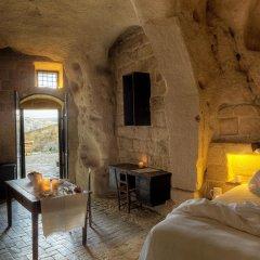 Отель Sextantio Le Grotte Della Civita Матера комната для гостей
