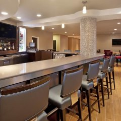 Отель Springhill Suites Minneapolis-St Paul Airpt/Mall Of America Блумингтон гостиничный бар
