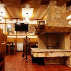 Отель Rodope Nook Guest house Болгария, Чепеларе - отзывы, цены и фото номеров - забронировать отель Rodope Nook Guest house онлайн интерьер отеля