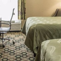 Отель Quality Inn & Suites Колумбус в номере фото 2