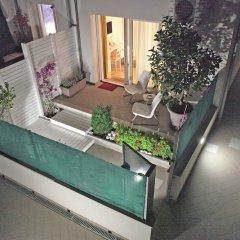 Отель B&B Villa Pini Чивитанова-Марке балкон