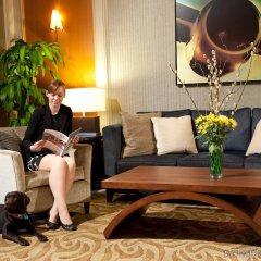 Отель Pacific Gateway Hotel Канада, Ричмонд - отзывы, цены и фото номеров - забронировать отель Pacific Gateway Hotel онлайн комната для гостей фото 4