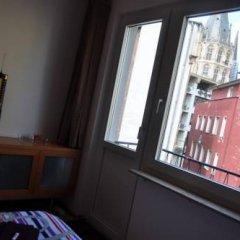 Отель Bed & Breakfast Cologne Downtown Германия, Кёльн - отзывы, цены и фото номеров - забронировать отель Bed & Breakfast Cologne Downtown онлайн балкон