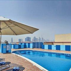 Отель Arabian Dreams Deluxe Hotel Apartments ОАЭ, Дубай - отзывы, цены и фото номеров - забронировать отель Arabian Dreams Deluxe Hotel Apartments онлайн бассейн фото 3