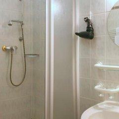 Отель Flora Чехия, Марианске-Лазне - отзывы, цены и фото номеров - забронировать отель Flora онлайн ванная