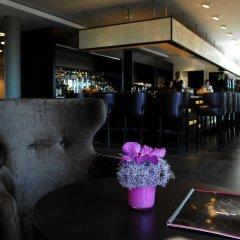 Отель Les Comtes De Mean Льеж гостиничный бар
