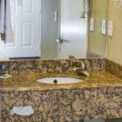 Отель Rodeway Inn Culver City ванная фото 2