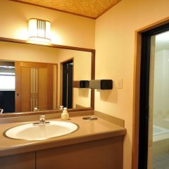 Отель Enjoy The Night View Of Nagasaki And Shippoku Cuisine | Nissho Cans New Wing Baishokaku Нагасаки ванная