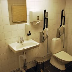 Örebro City Hostel Эребру ванная
