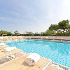 Отель Perla del Parco Италия, Риччоне - отзывы, цены и фото номеров - забронировать отель Perla del Parco онлайн бассейн