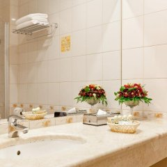 Гостиница Петро Палас 5* Стандартный номер с двуспальной кроватью фото 6