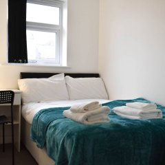 Отель Modern Open Plan 5 Bedroom Home With Garden Брайтон комната для гостей