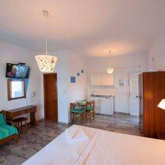 Отель Christine Studios Греция, Порос - отзывы, цены и фото номеров - забронировать отель Christine Studios онлайн комната для гостей