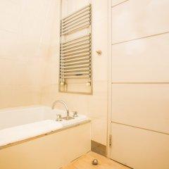 Отель 1 Bedroom Flat In Knightsbridge Sleeps 2 Великобритания, Лондон - отзывы, цены и фото номеров - забронировать отель 1 Bedroom Flat In Knightsbridge Sleeps 2 онлайн ванная фото 2