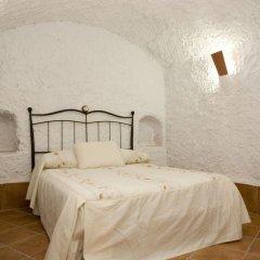 Отель Cuevalia. Alojamiento Rural en Cueva комната для гостей фото 2