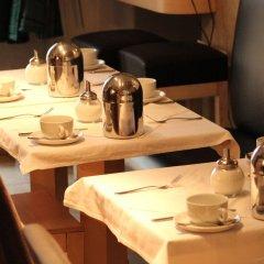 Отель Бутик-отель The Golden Wheel Чехия, Прага - отзывы, цены и фото номеров - забронировать отель Бутик-отель The Golden Wheel онлайн питание