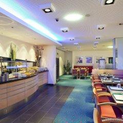 Отель Holiday Inn Express Geneva Airport питание фото 2