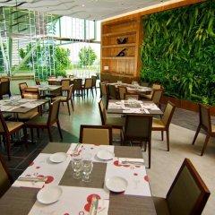 Отель Swiss-Garden Hotel Kuala Lumpur Малайзия, Куала-Лумпур - 2 отзыва об отеле, цены и фото номеров - забронировать отель Swiss-Garden Hotel Kuala Lumpur онлайн питание
