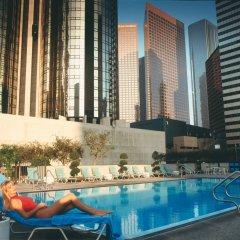 Отель The Westin Bonaventure Hotel & Suites США, Лос-Анджелес - отзывы, цены и фото номеров - забронировать отель The Westin Bonaventure Hotel & Suites онлайн бассейн