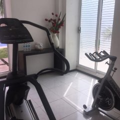 Hotel Embajadores фитнесс-зал