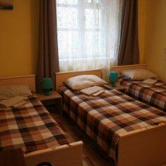 Гостиница B&B Hotel Center в Великом Новгороде 9 отзывов об отеле, цены и фото номеров - забронировать гостиницу B&B Hotel Center онлайн Великий Новгород комната для гостей фото 4