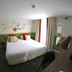 Отель Hôtel des 3 Poussins Франция, Париж - 3 отзыва об отеле, цены и фото номеров - забронировать отель Hôtel des 3 Poussins онлайн комната для гостей фото 2
