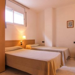 Отель Apartamentos S'Abanell Central Park Испания, Бланес - отзывы, цены и фото номеров - забронировать отель Apartamentos S'Abanell Central Park онлайн комната для гостей фото 4