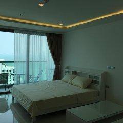 Апартаменты Wong Amat Tower By Liberty Group Apartment Паттайя комната для гостей