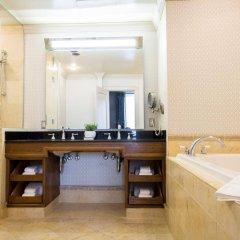 Kimpton Sir Francis Drake Hotel ванная