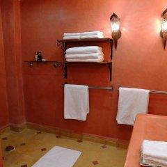 Отель AppartHotel Khris Palace Марокко, Уарзазат - отзывы, цены и фото номеров - забронировать отель AppartHotel Khris Palace онлайн ванная