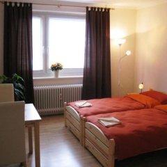 Отель Monteurzimmer Barbaroussis Гамбург комната для гостей фото 4
