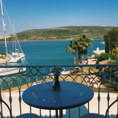 Port Alacati Hotel Чешме балкон