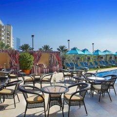 Отель Arabian Park Hotel ОАЭ, Дубай - 1 отзыв об отеле, цены и фото номеров - забронировать отель Arabian Park Hotel онлайн бассейн фото 3