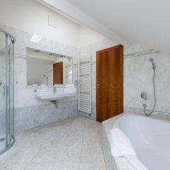 Апартаменты EMPIRENT Apartments Prague Castle ванная фото 2