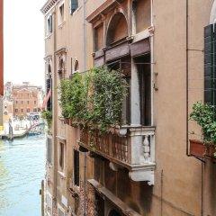 Отель Ca' del Giglio Италия, Венеция - отзывы, цены и фото номеров - забронировать отель Ca' del Giglio онлайн балкон
