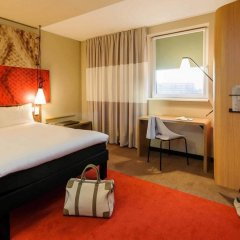 Отель Ibis Hamburg City Германия, Гамбург - 2 отзыва об отеле, цены и фото номеров - забронировать отель Ibis Hamburg City онлайн сейф в номере