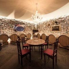 Отель Weingut Donà Аппиано-сулла-Страда-дель-Вино гостиничный бар