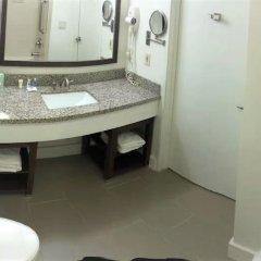 Отель Comfort Suites Tulare ванная