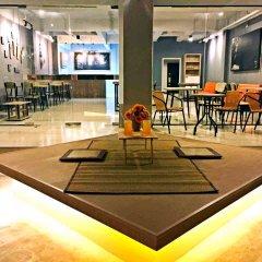 Отель Youth Hostel Таиланд, Паттайя - 1 отзыв об отеле, цены и фото номеров - забронировать отель Youth Hostel онлайн гостиничный бар