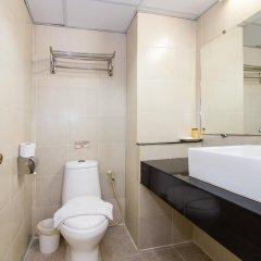 Отель Regent Suvarnabhumi Hotel Таиланд, Бангкок - 2 отзыва об отеле, цены и фото номеров - забронировать отель Regent Suvarnabhumi Hotel онлайн ванная