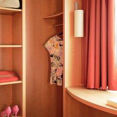 Отель Ibis Brugge Centrum Брюгге ванная