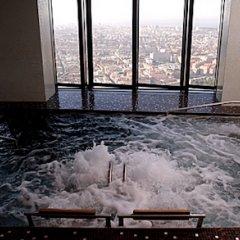 Eurostars Madrid Tower Hotel бассейн фото 3