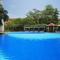 Отель Waterfront Suites Phuket by Centara бассейн фото 3