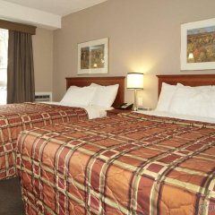 Отель Colonial Square Inn & Suites фото 3