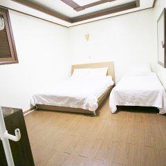 Sinchon Sisters Hostel комната для гостей