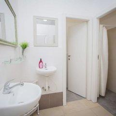 Butik Hostel TLV Израиль, Тель-Авив - отзывы, цены и фото номеров - забронировать отель Butik Hostel TLV онлайн ванная фото 2