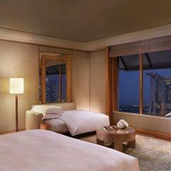 Отель The Ritz-Carlton, Millenia Singapore комната для гостей фото 4