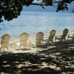 Отель Dolphin Bay Divers Matei Фиджи, Остров Тавеуни - отзывы, цены и фото номеров - забронировать отель Dolphin Bay Divers Matei онлайн пляж