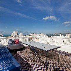 Отель Albarnous Maison d'Hôtes Марокко, Танжер - отзывы, цены и фото номеров - забронировать отель Albarnous Maison d'Hôtes онлайн спортивное сооружение